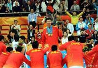 河昇鎮當被王治郅打哭,揭開韓國男籃潛規則:拿冠軍即可逃兵役!