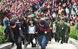 消防戰士救被困群眾犧牲,年僅27歲,魂歸故里,家鄉萬人揮淚送別