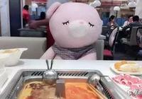 """海底撈""""貼心服務""""引發熱議!日本網友:可愛,但為什麼想哭…"""