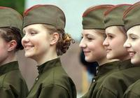 以色列女兵是戰鬥型的大家都知道了,可是她們的邊境女警會抽菸