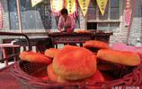 陝北後生重拾家傳烤餅 最多一天賣4000元