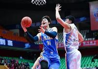 王哲林最近5場場均貢獻35.2分16.4籃板,若保持下去,能拿到首個MVP嗎?