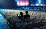 史上最尷尬演唱會:7名觀眾14名保安,還沒唱完阿姨就開始打掃