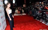 克里斯汀:紅毯上的女王,她一亮相,密集的鏡頭海洋太讓人震撼了