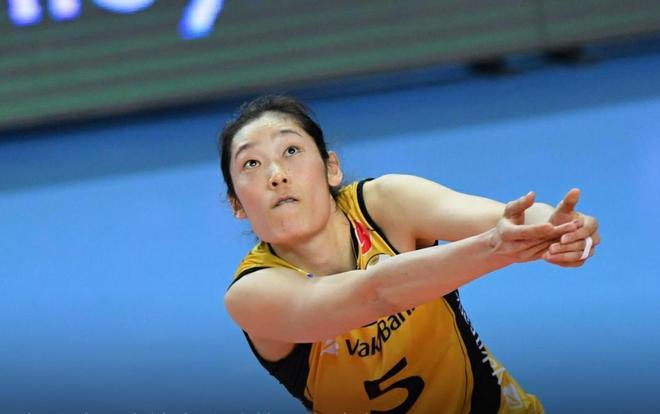 女排歐冠小組賽第4輪瓦基弗銀行3:0普羅夫迪夫,朱婷拿到16分