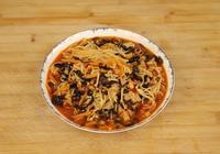 金針菇還可以這樣做,一把木耳一根紅蘿蔔,鮮香入味,特別下飯