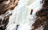 保定白石山十瀑峽冬季巨大冰瀑,吸引眾多攀冰愛好者