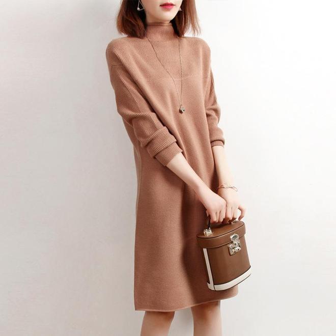 """難怪老婆把毛衣全扔了,穿這""""歐版""""冬裙,洋氣高級不打扮都美"""