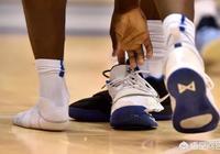 蔡恩鞋底打滑踩爛球鞋,當年詹姆斯急剎車踩爛地板,你怎麼看?