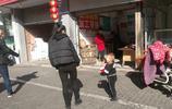 河南小夥出門三個月能賣三百隻撥浪鼓 大家幫算下,他能賺多少錢