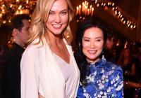 鄧文迪穿中國風長裙在紐約出席活動,S型身材不輸90後超模