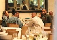 NBA球員請吃飯的規矩!詹姆斯只買單不吃飯,周琦曾被保羅套路