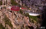 這座懸崖上的寺廟,蓮花生大師曾在此修行,鎮寺之寶更是讓人稱奇