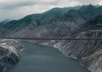 """中國超級工程:""""川藏第一橋""""用鋼3萬噸,耗資10億歷經4年完成"""