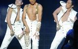 劉德華到底發生了什麼,為什麼演唱會只唱了三首就停了!