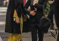 安妮海瑟薇參加王室晚宴,遇凱特王妃妹妹,二人穿黃與粉驚豔全場