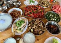 家庭聚餐做了一大桌子菜,5葷2素2盤水果,一家人都吃得好開心