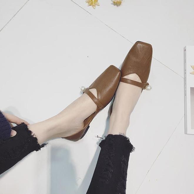 婆婆告訴我中年女性愛穿這樣舒適簡約女單鞋,時尚百搭還不累腳
