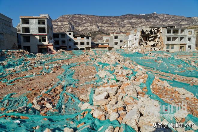 濟南這個已漸成廢墟的特大型村落因千萬富翁眾多而成網紅村?