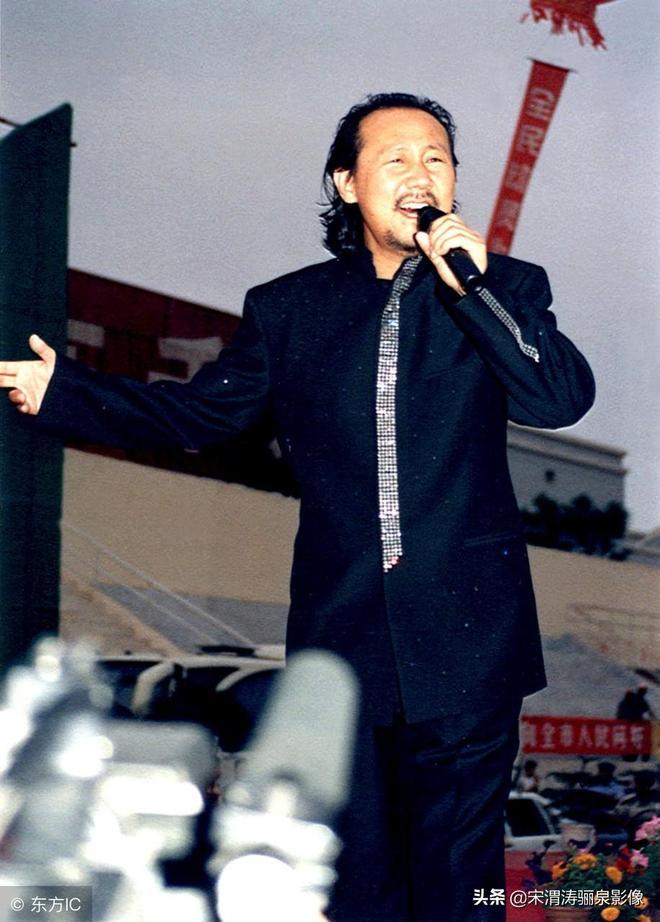 人物影像:騰格爾,60後,內蒙古鄂托克旗人,歌唱家