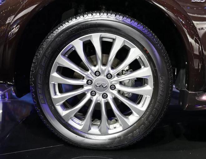 英菲尼迪,SUVQX80 5.6L 4WD
