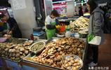 """這些""""海螺""""很多顧客都叫不上名字 但是味道鮮美 價格不貴"""
