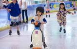 南京:滑冰避暑享清涼