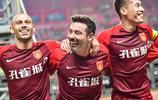 主場逆轉好幸福!河北華夏眾將賽後謝場 與球迷一同歡呼慶祝