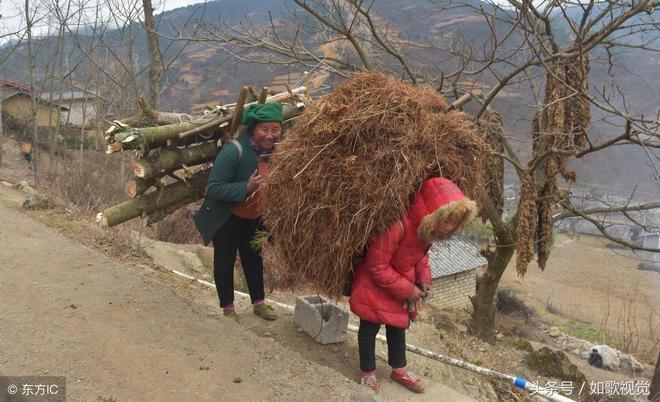 農村留守兒童10張圖,稚嫩的孩子眼巴巴盼望著,看到哪一張你哭了