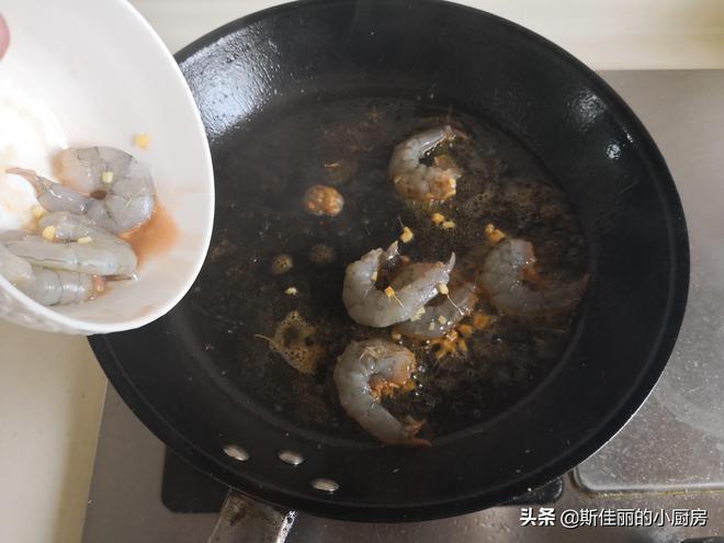 六月寧願不吃肉,也要吃這道菜,女人常吃清腸甩贅肉,越吃越苗條