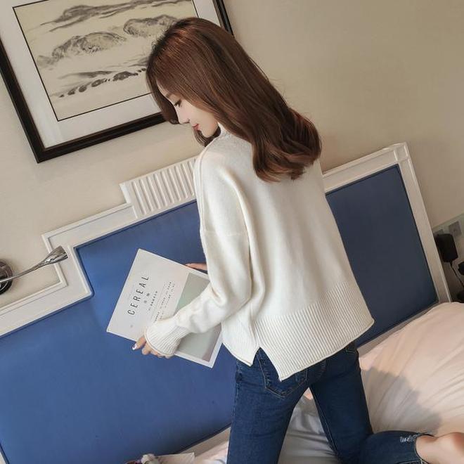 今年的毛衣流行不過膝的,短款的更顯身高,舒適不過時