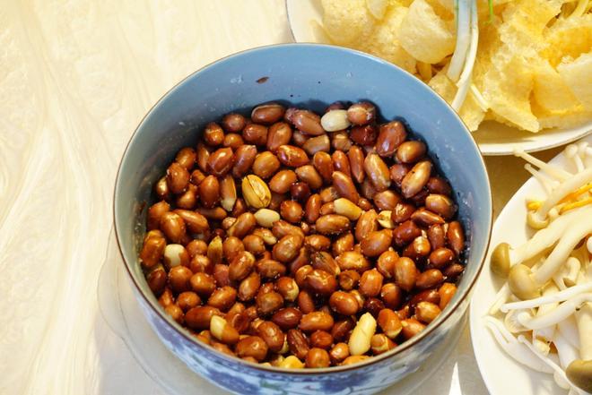 普通人家的晚飯,最近無錫天天下雨,還是火鍋吧,吃著暖和