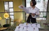 12歲就愛上旗袍,叛逆少女做設計師年入千萬,作品還登上時裝週!