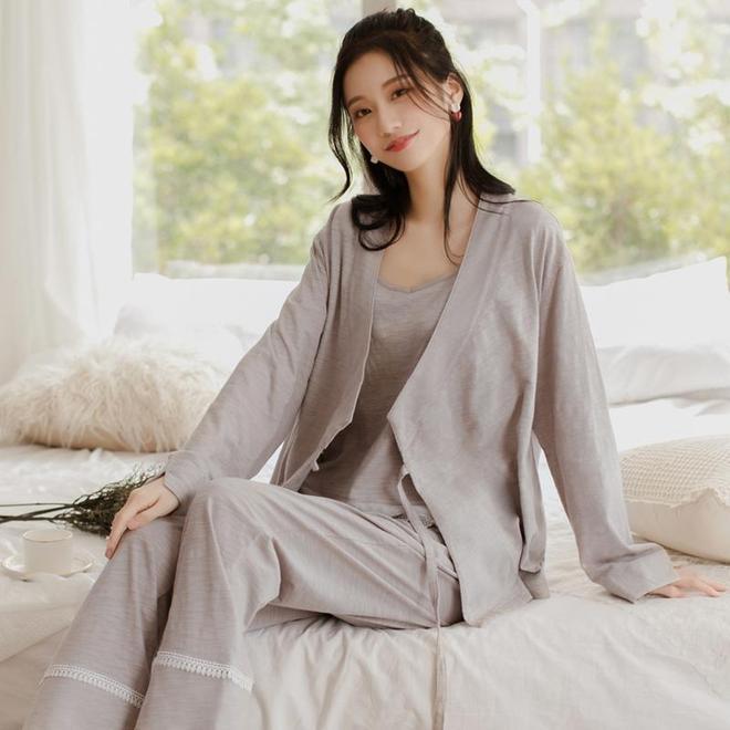 """穿上這款溫暖舒適的""""家居服"""",它會讓你在家裡更加的優雅迷人"""