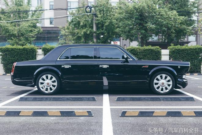 國產最強轎車一號,紅旗L5實車拍攝