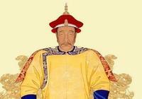 努爾哈赤拒絕嚮明朝進貢蜂蜜,明朝派出一士兵,嚇得努爾哈赤下跪