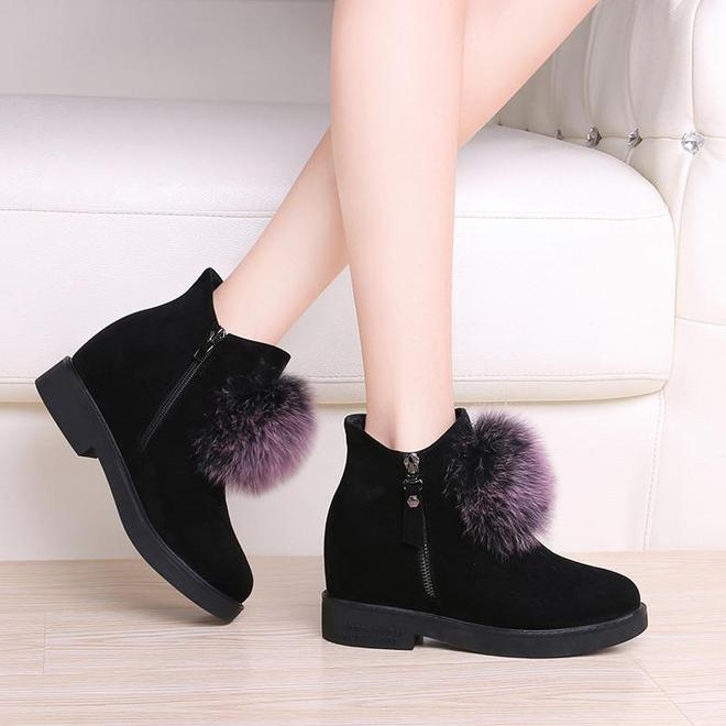 """長筒靴已經過時了,義烏""""雪地靴一夜躥紅,時髦保暖顯年輕"""
