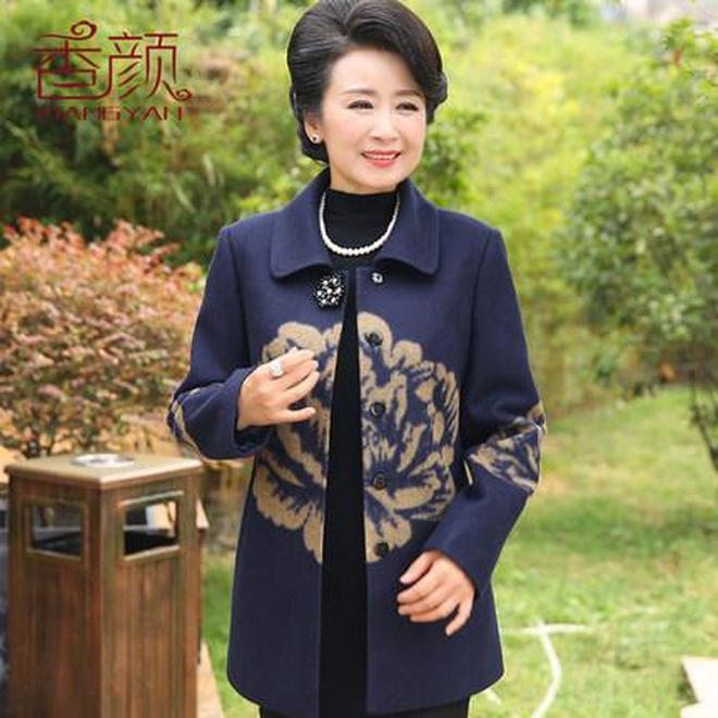 國慶中秋將至,給勞累大半年的媽媽挑了幾件外套,時髦洋氣顯年輕