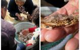 喜歡吃蟹子的來大福利了,大集上這些蟹子才賣五塊錢一斤