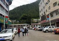 位於喜馬拉雅山脈南麓的小縣城-亞東