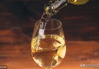 人生三杯酒:一杯敬往事,兩杯敬恩怨,三杯敬情仇