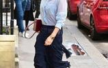 貝克漢姆愛妻維多利亞身著清涼上街,路人:真的不冷嗎?