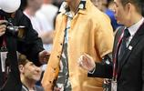 NBA中國賽成為明星們刷臉的地方 鄧超夫婦吳磊周冬雨還有TT陳柏霖