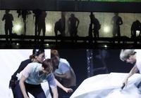 EXO名場面,張藝興聯合弟弟整蠱suho,邊伯賢演唱會上鬥舞