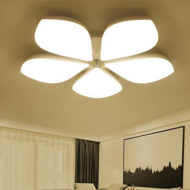 還在糾結客廳臥室裝什麼燈?美不勝收的吸頂燈,讓你的家更上檔次