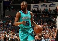 NBA官網---曝沃克將成為湖人在自由市場中的頭號目標