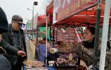 農村集市上的10個小攤,都是小本生意,你覺得哪一個能賺錢養家呢