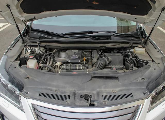 最經典的日系SUV,雷克薩斯RX,造型靚麗,內飾豪華檔次高