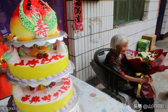 河北102歲長壽老人,耳不聾眼不花,飲食起居習慣讓養生專家尷尬