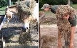 美國女子模仿動物拍照並對比,最後一張像極了